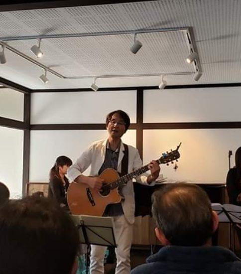 さわやまサロンでの初ライブ